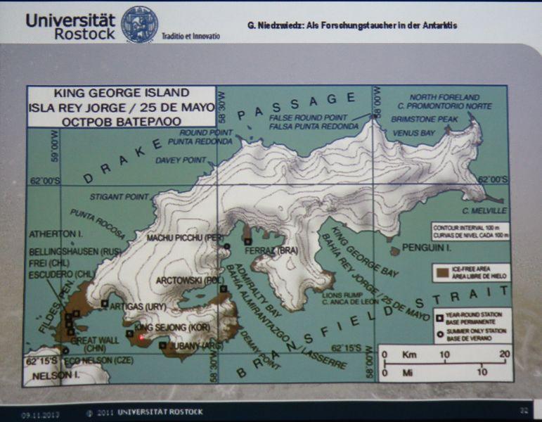 Ein Forschungstaucher in der Antarktis