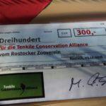 Spendenscheck Tenkile Baumkängugu Schutzprojekt